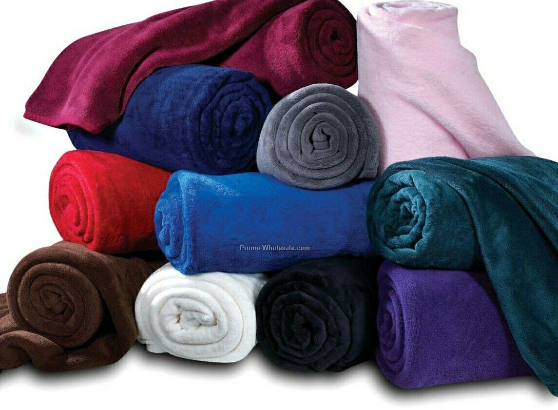 "Wolfmark 50""x60"" Purple Coral Fleece Throw Blanket"