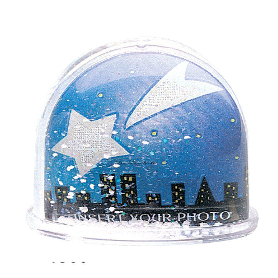 Dome-shaped water globe with floating Snow & Glitters