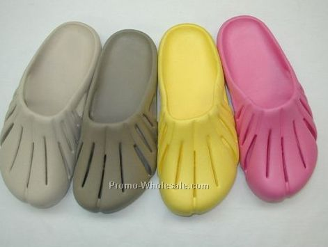 Ladies Clogs/ Sandals (6-11)