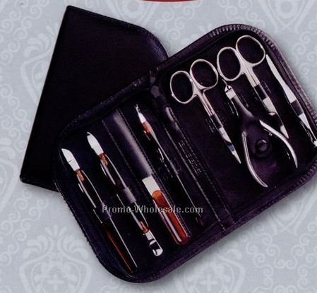 Women`s 8-piece Manicure / Groomer Set (Genuine Leather Case)