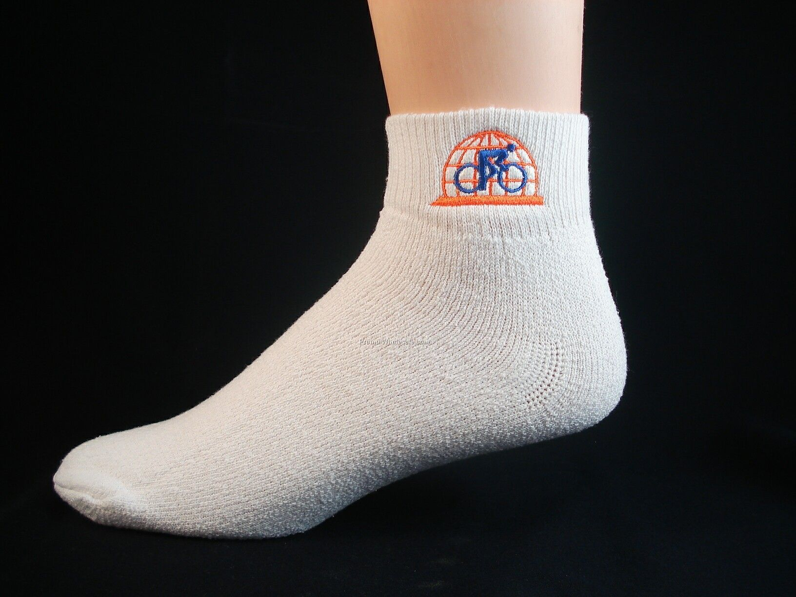 Embroidered Low-cut Sport Quarter Socks