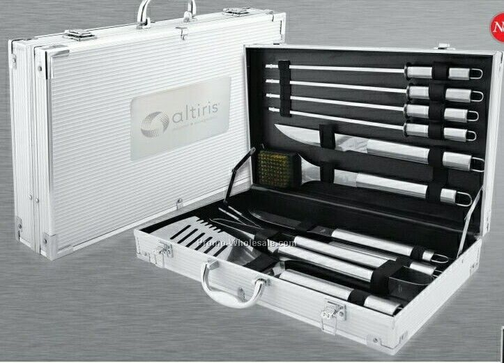10 Piece Bbq Set In Aluminum Case