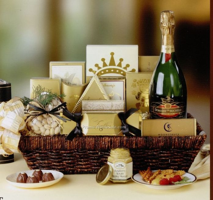 "18""x13""x6"" Champagne Wishes - Champagne & Snacks"
