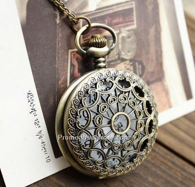 Large spider web, hollow mesh, sweater chain, hollow vintage pocket watch