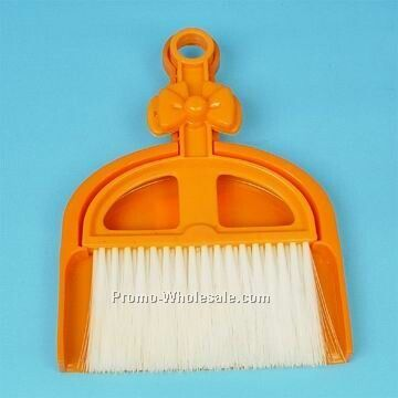 "21""x14""x2-1/2cm Dustpan W/ Brush"